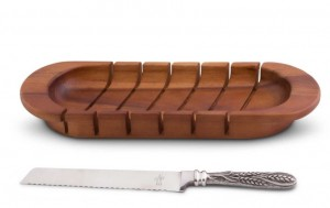 Oval Board with Wheat Pattern Bread Knife