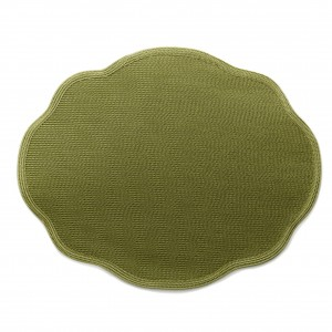 Oval Scallop Placemat in Moss